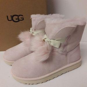 New UGG Gita Boots Size 8